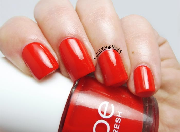 Smalto lacca rosso Joe Fresh Apple red jelly nail polish