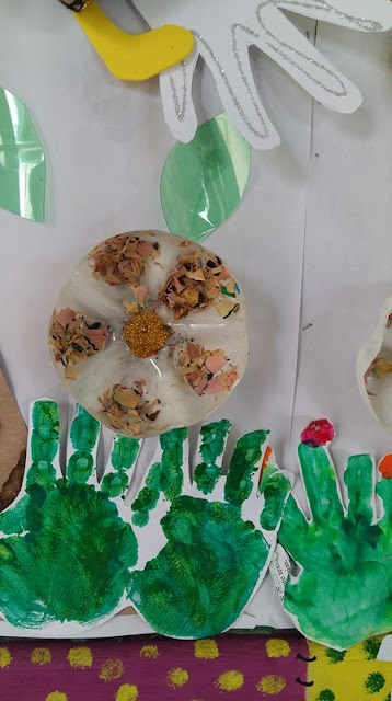 Painel Coletivo de Primavera com flores em 3D