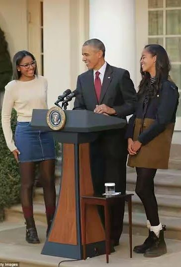 Obama girls join their dad for annual turkey pardoning ceremony, growing into beautiful women