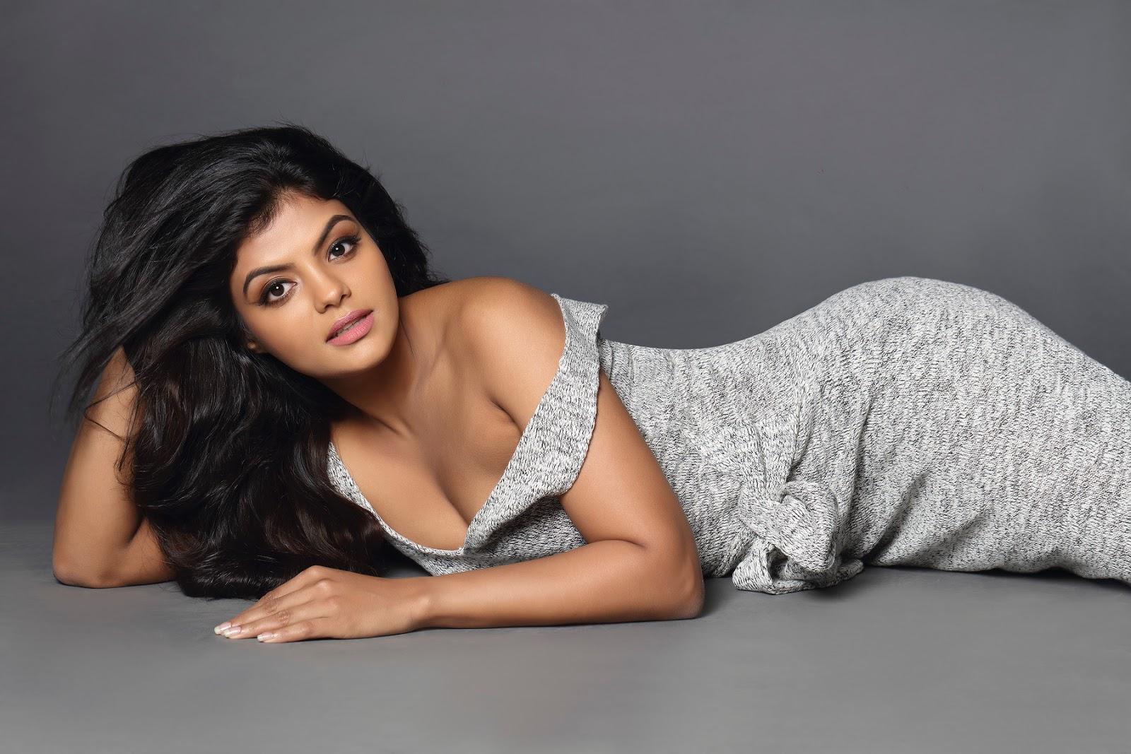 Actress Tejashree Sizzling Hot Photoshoot Stills
