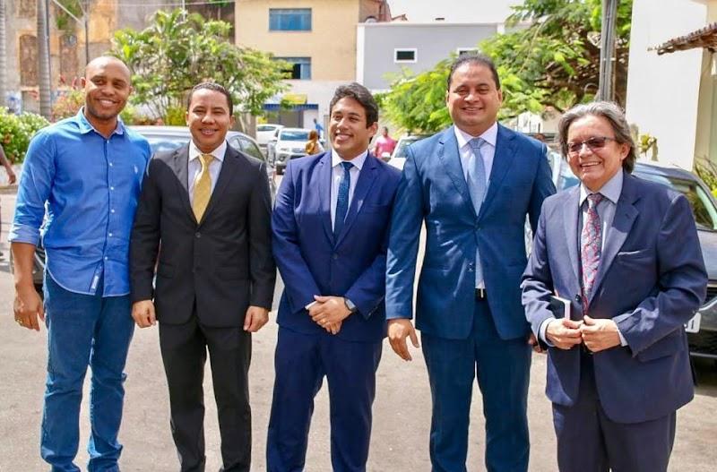 Ver.Osmar Filho Recebeu nesta terça-feira (13), na Câmara Municipal a visita do senador eleito Weverton, e do deputado federal Gil Cutrim.