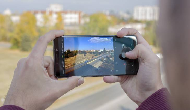 Hasil kamera Samsung Galaxy A9 (gsmarena.com)