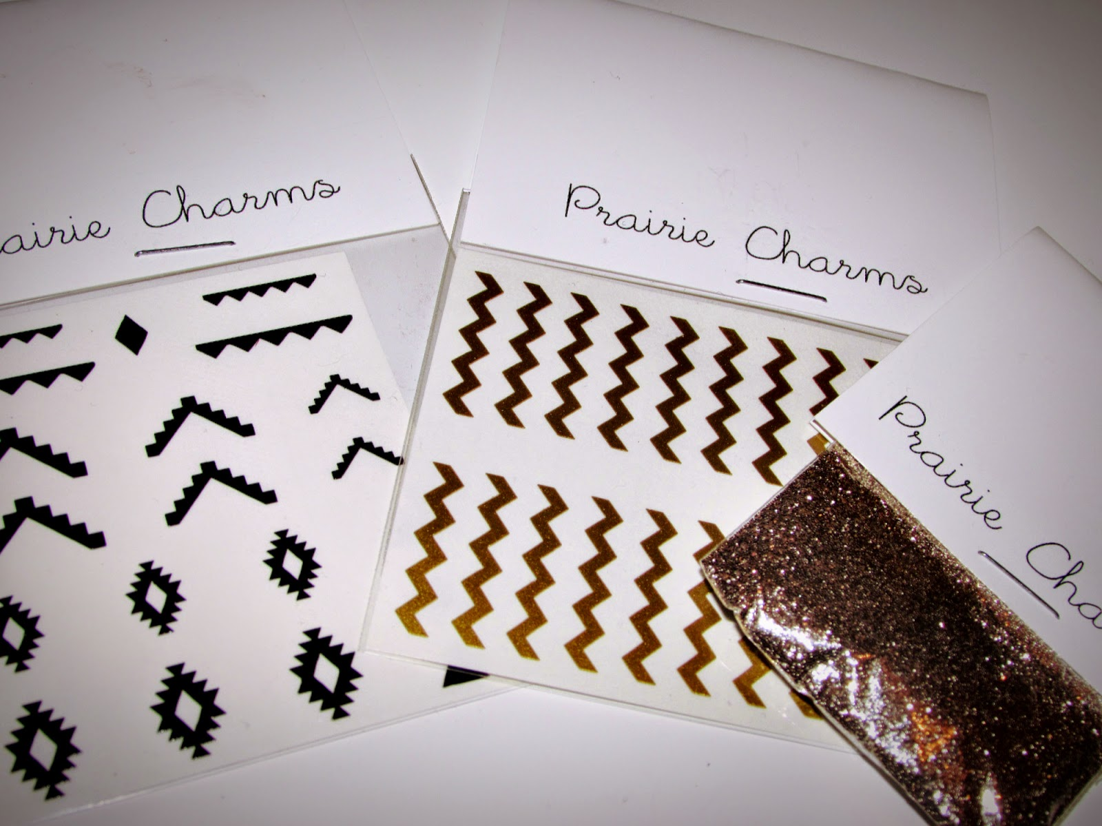 Party nail art | Aztec nails | Chevron nails | Glitter nails