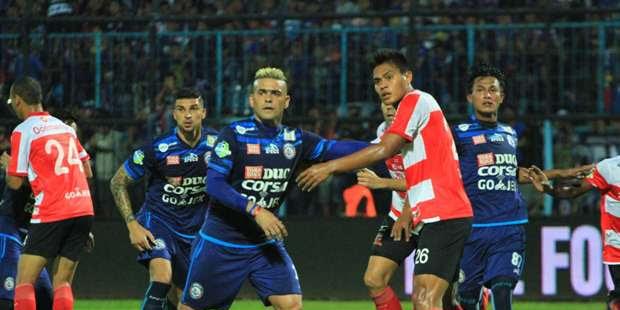 Arema Tanduk di Kandang Madura United