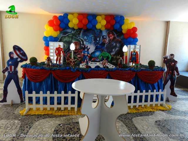 Decoração de festa Vingadores - Mesa temática para aniversário Masculino - Tradicional luxo de tecido - Recreio - RJ