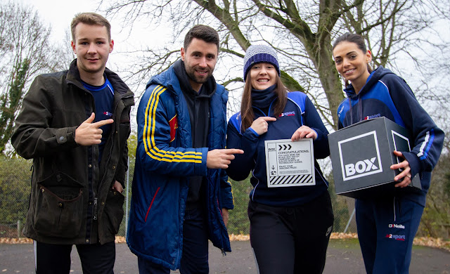 VICKY FINDS £10K TREASURE CHEST OF PRIZES IN WILTSHIRE VILLAGE!