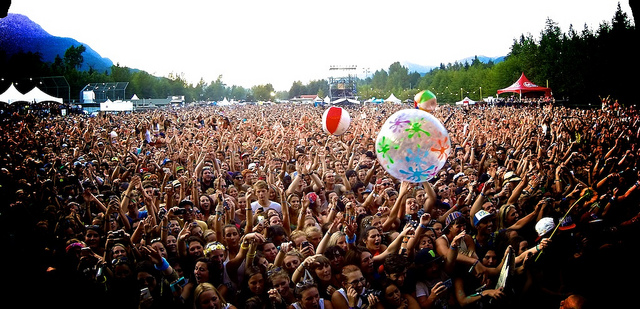 Crowd MusicFestival FlickrRETROCACTUS