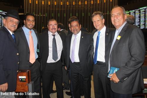Prefeito Dr. Tinoco vai a Brasília em busca de investimentos federais