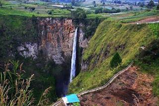Tempat Wisata Eksotis Indonesia untuk Destinasi Air Terjun