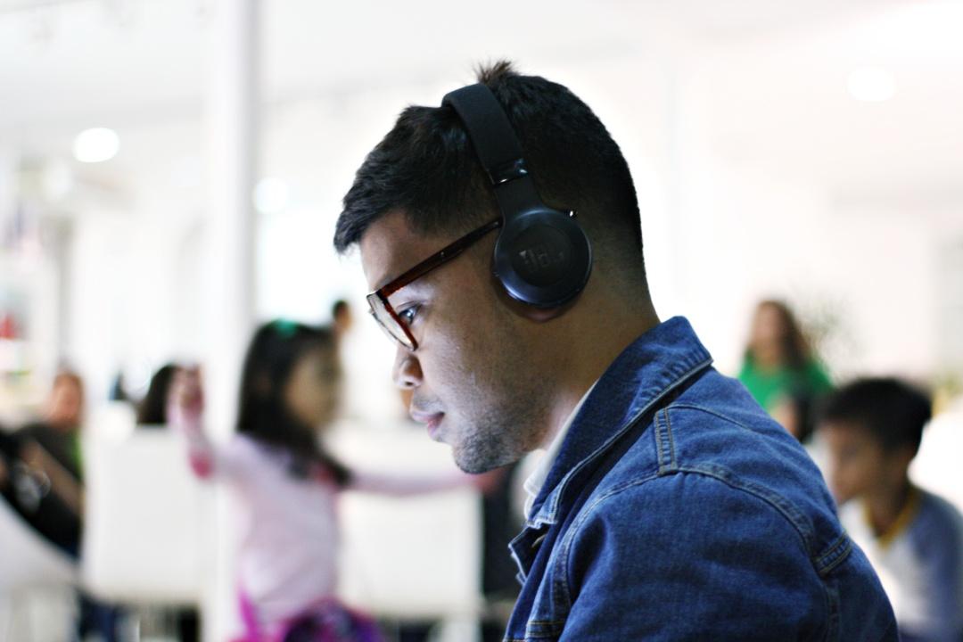 jbl-cebu-fashion-blogger-almostablogger-top-male.jpg