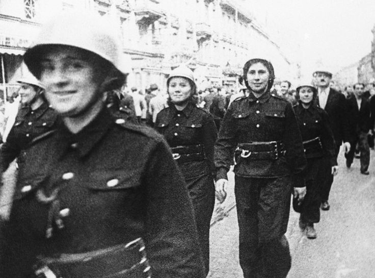 Warsaw Poland women soldiers September 16 1939 worldwartwo.filminspector.com