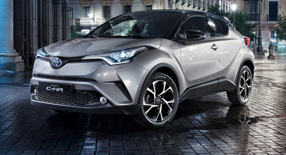 toyota prices c hr from 20 995 in the uk thinks it can rival bmw x1 audi q2. Black Bedroom Furniture Sets. Home Design Ideas