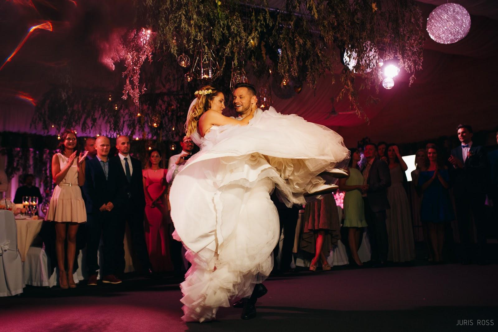 kāzu deja