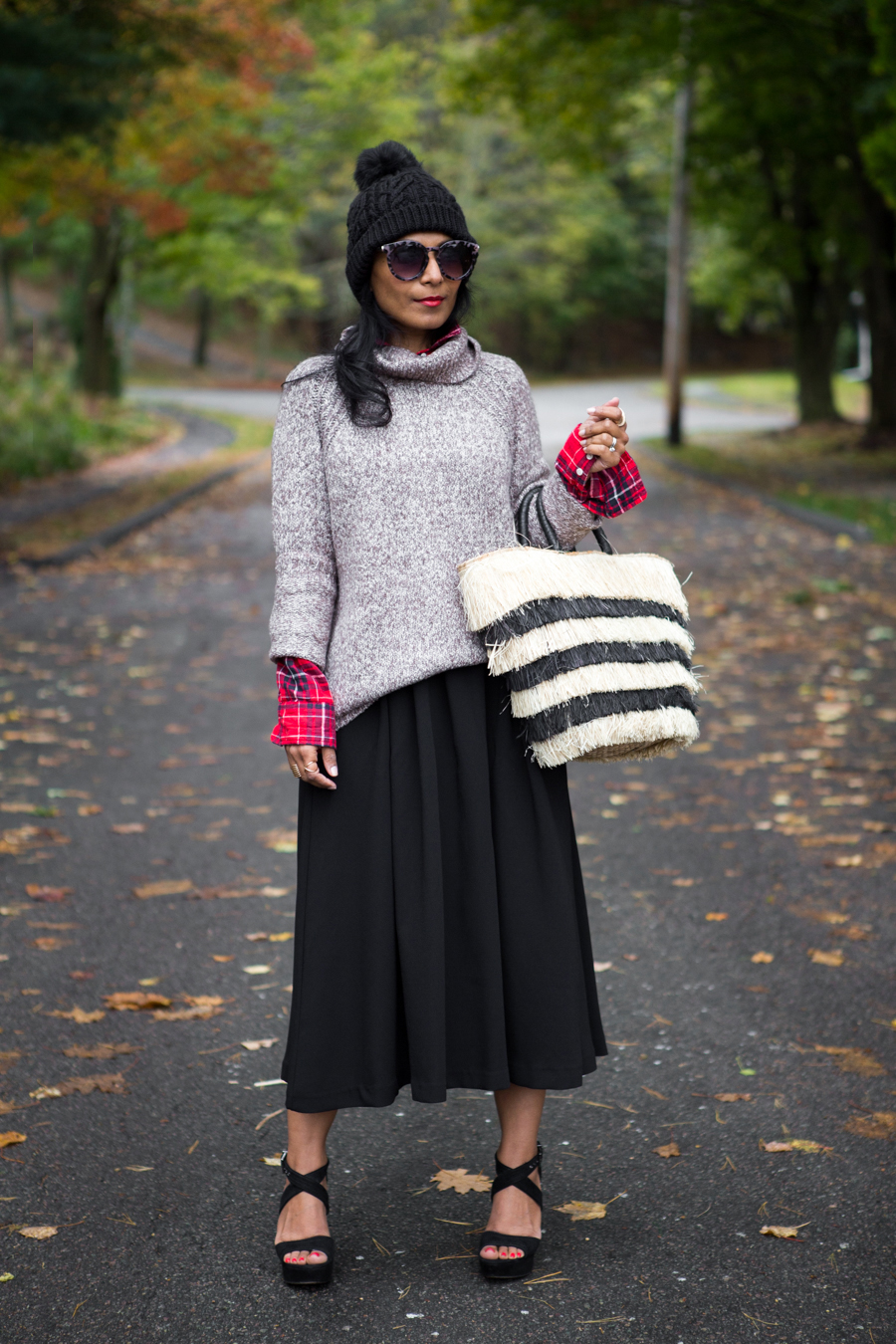 fall fashion, style tips, nordstrom, petite fashion, fall sweaters, chunky knits, plaid, fall beanie, pompom, straw tote, suede sandals, texture, petite blogger, how to style fall looks, targetstyle