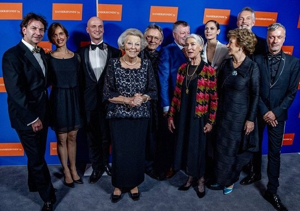 Princess Beatrix and Princess Margriet attended the 22nd edition of the Dutch Ballet Gala of Stichting Dansersfonds '79 in Amsterdam