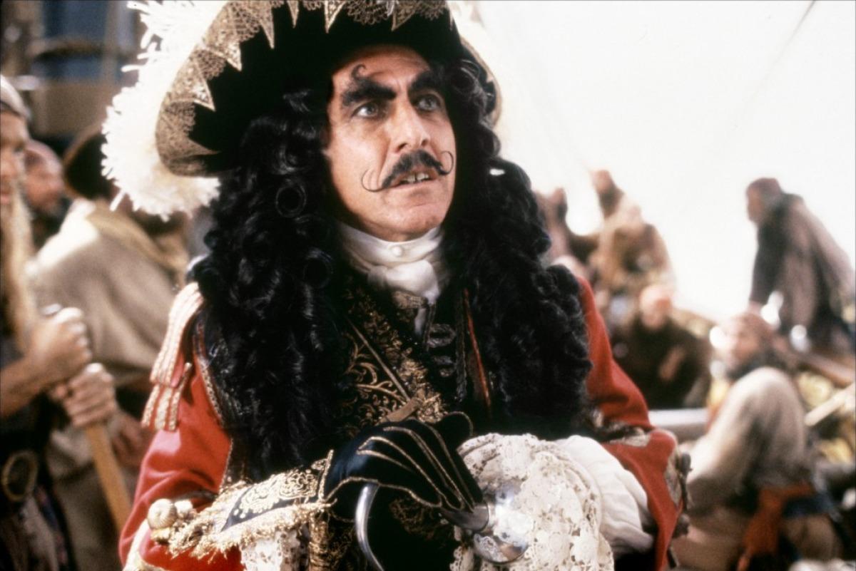 UM PER DIA: Diferentes versiones del Capitán Garfio