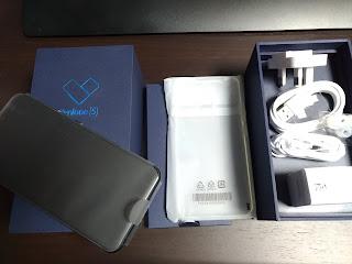 Zenfone 5  ZE620KLの海外版の内容 一式