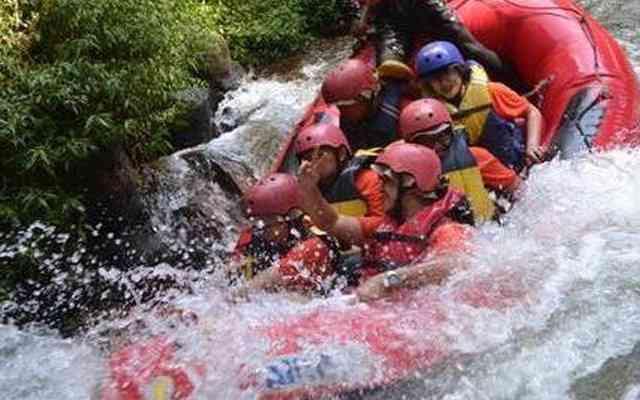 Rafting Bandung Murah Bersama Gravity Adventure
