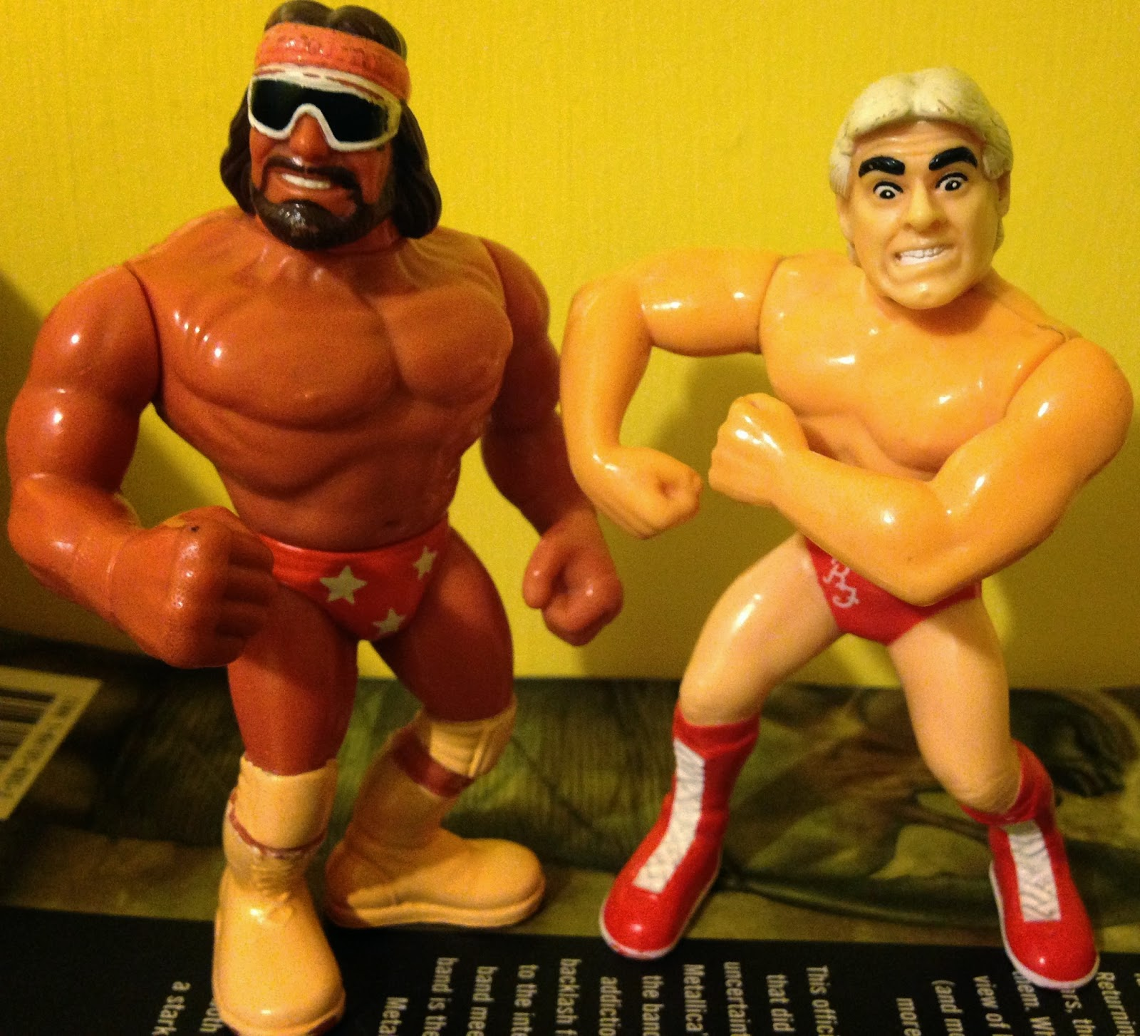 WWF / WWE - Hasbro Wrestling Figures - Macho Man Randy Savage vs.Ric Flair - Wrestlemania 8