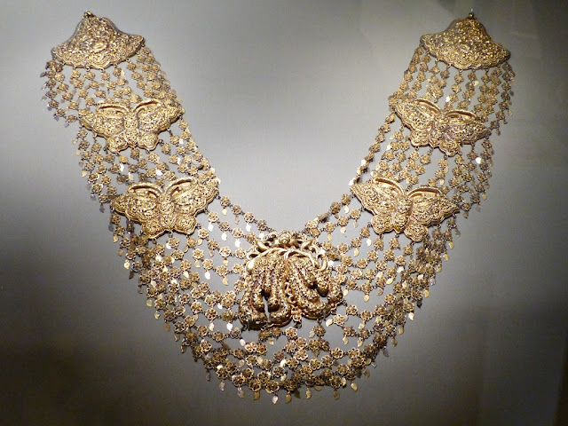 Wedding necklace, Penang, late 19th century, gilt silver