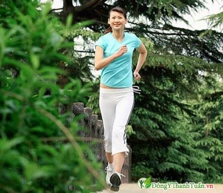 Ít luyện tập thể dục dễ gây đau lưng