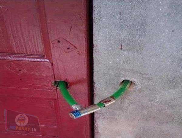Funny-Door-Lock-indian-jugaad