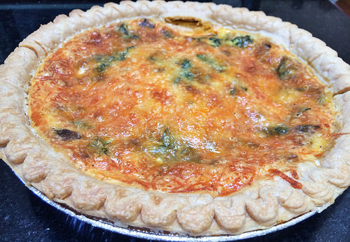 spinach and mushroom quiche, whole