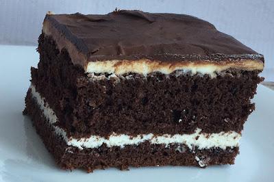 Ciasto czekoladowe przełożone serem
