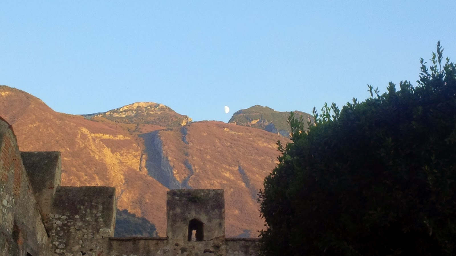 Huge half-moon hangs over Malcesine