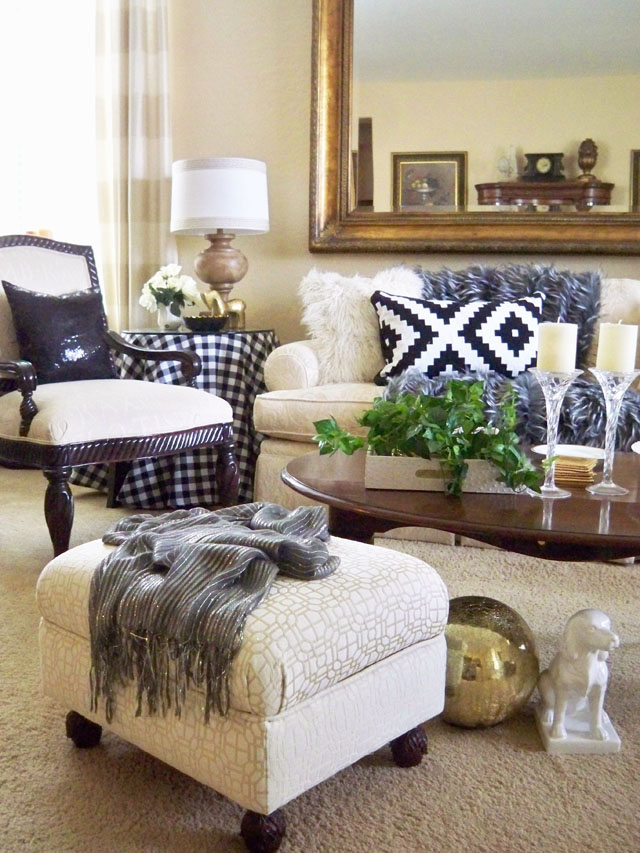 Farmhouse Chic Living Room Decor: A Stroll Thru Life: Farmhouse Chic Black & White Winter