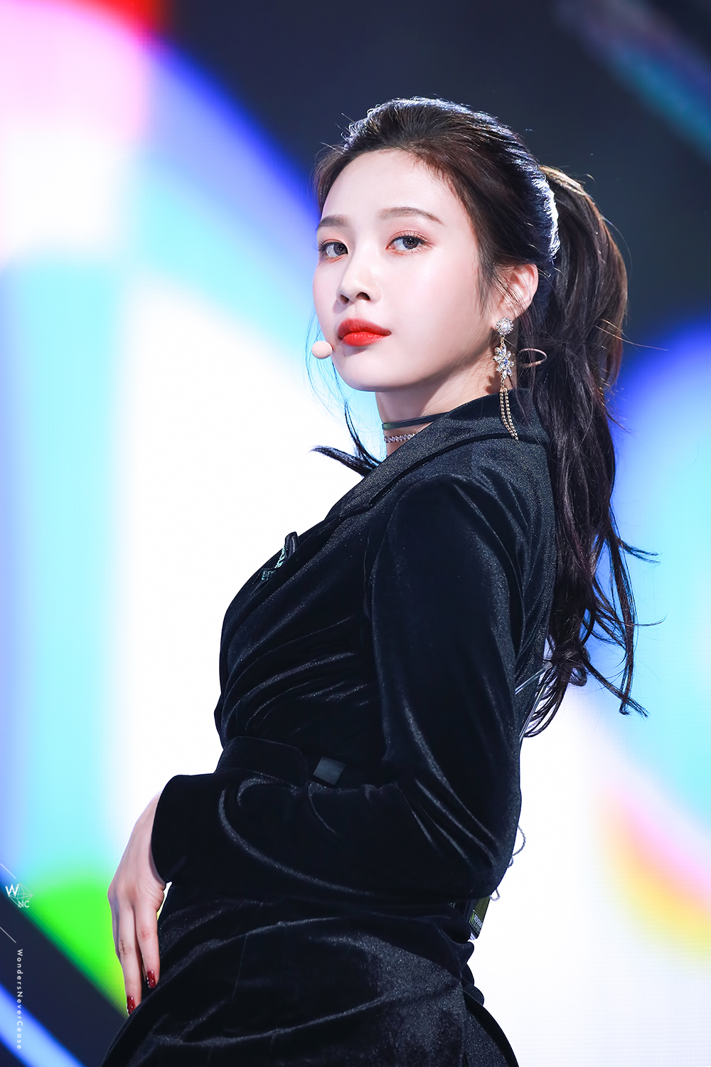 Red Velvet Joy Looks Absolutely Gorgeous With Ponytail