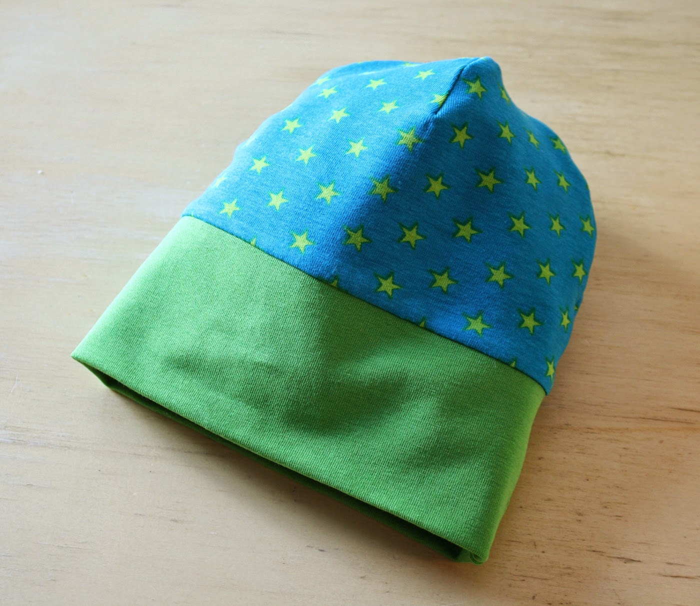 minimille et ses dix doigts bonnet b b en jersey tuto. Black Bedroom Furniture Sets. Home Design Ideas