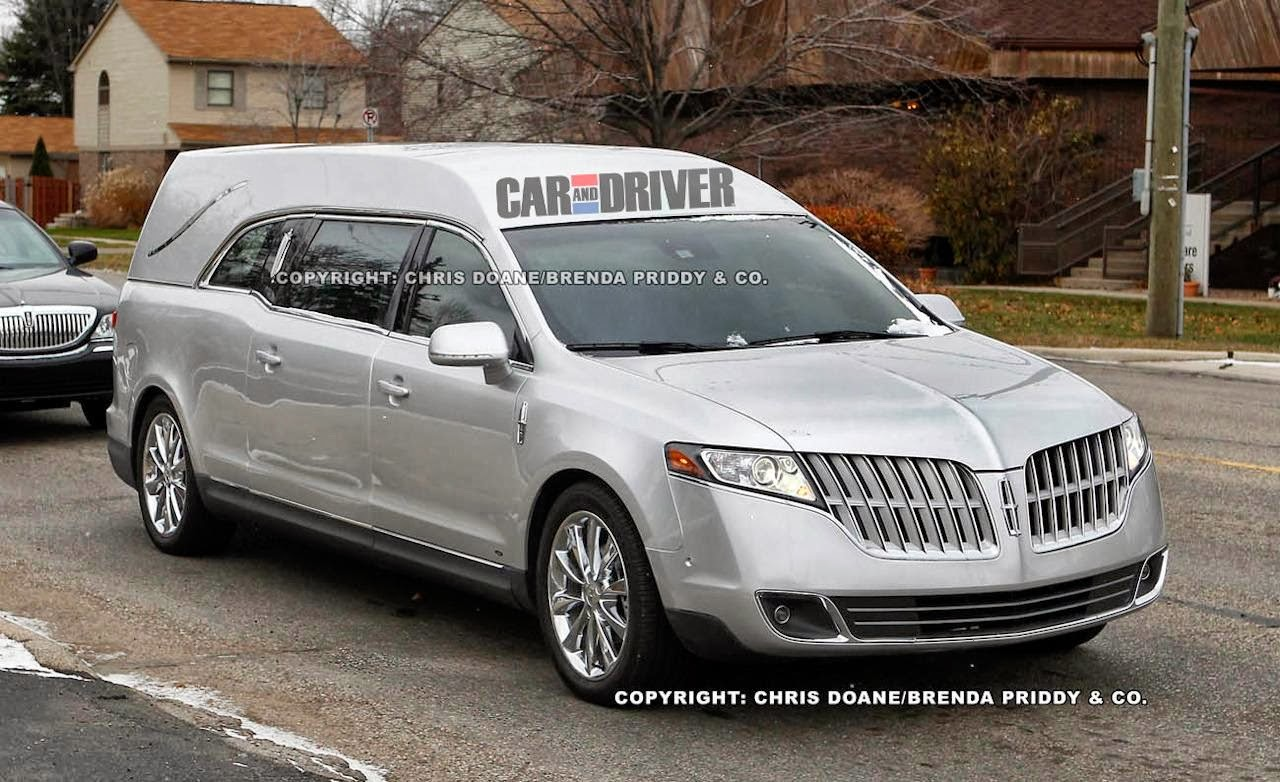 Lincoln Mkt Town Car: Lincoln MKT Town Car Fleet Car Picture