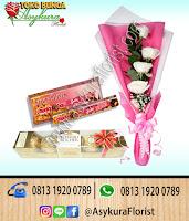 toko bunga cikarang, TOKO BUNGA CIKARANG - Hand Bouquet Hari Valentine di Cikarang