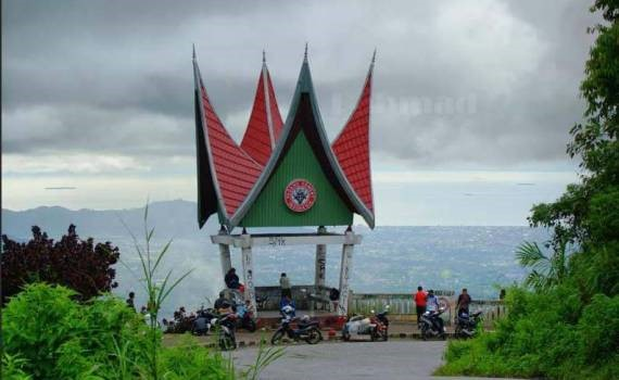 Wisata Padang Sitinjau