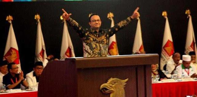 """Simbol """"2 Jari"""" Anies Baswedan Diperkarakan Ke Bawaslu"""
