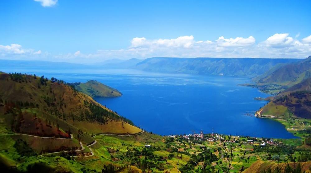8 tempat wisata di indonesia Danau Toba