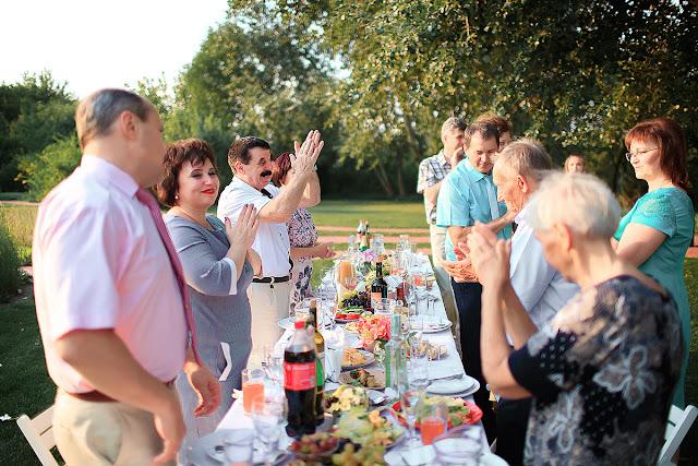Прекрасная свадебная съемка в Днепре, Свадебный фотограф в Днепре, фотограф на свадьбу, сад Светланы Кульбашной