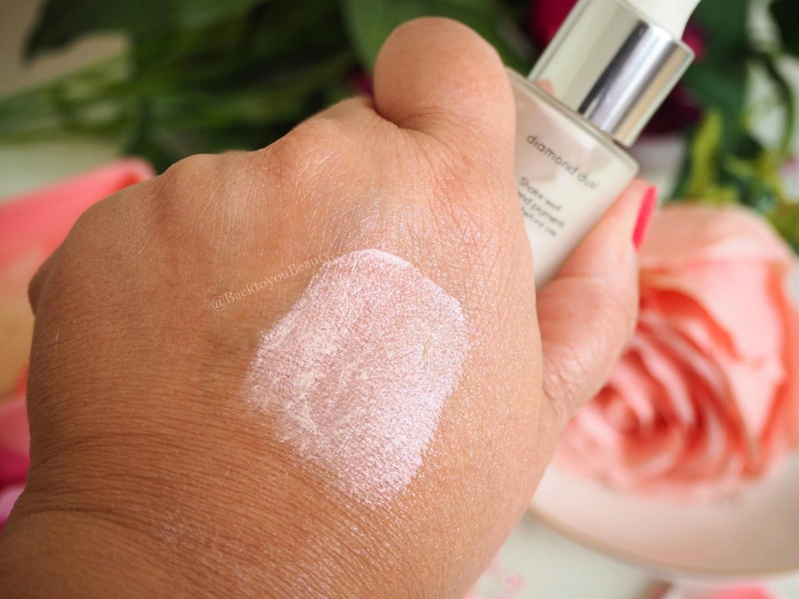 Laura Geller Diamond Dust Illuminating Highlighter Swatch