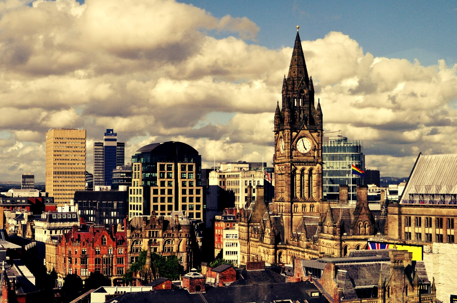 Inghilterra: Vietato dire che Manchester è brutta   Emotion Recollected in  Tranquillity