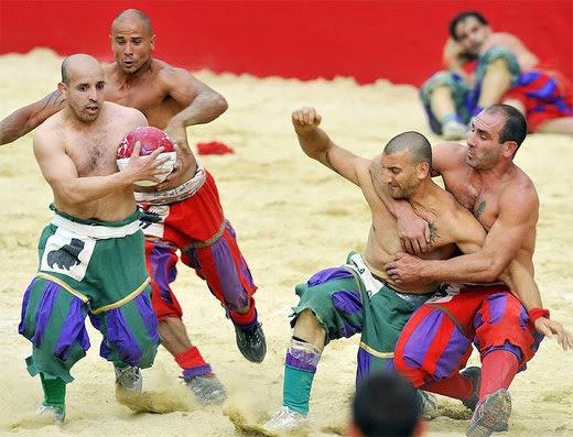 Calcio Fiorentino calcio in costume facts