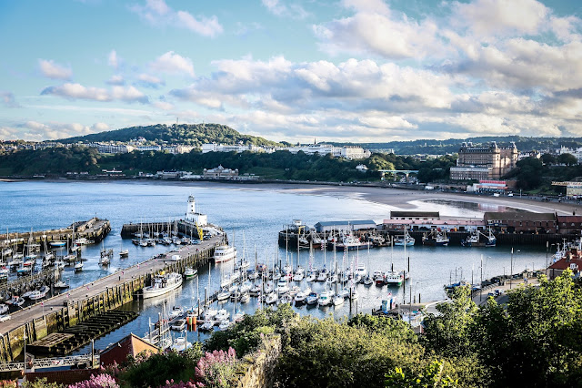 Scarborough South Bay , mandy charlton, travel blogger, photographer