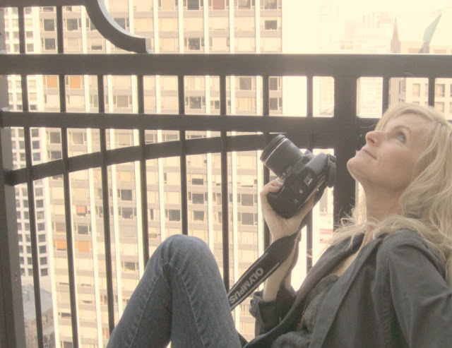 Michele-balcony-waldorf-chicago-with-camera-hello-lovely-studio