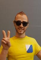 statuine ritratti modellino realistico ragazzo occhiali da sole idee regalo orme magiche
