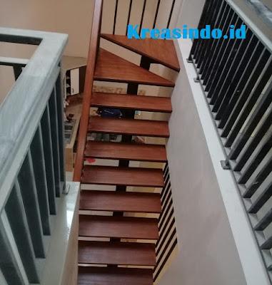 Jasa Tangga Trap Besi Kombinasi Kayu di Bekasi
