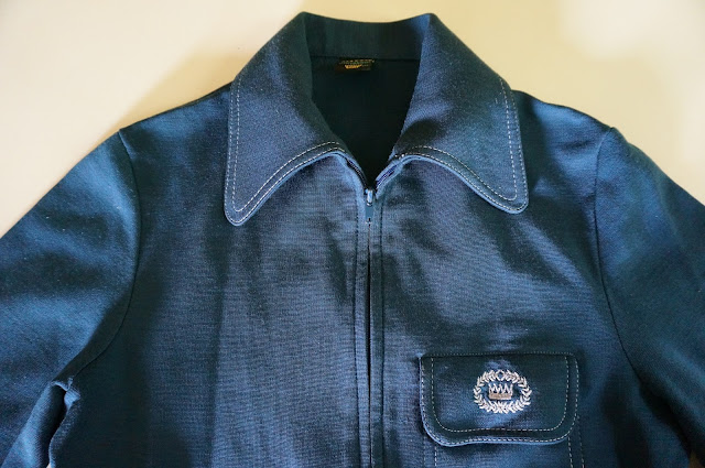 "veste de sport années 70 ""c'est un Trevois ""  70s track jacket 1970s topstitch, dog ear beagle penny  collar"