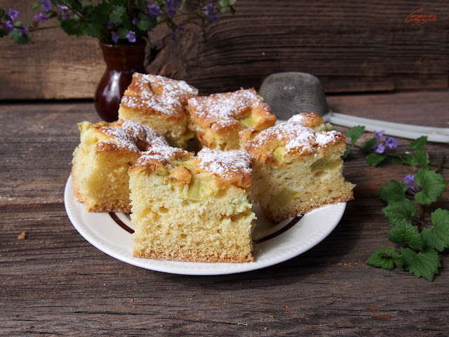 błyskawiczne ciasto z rabarbarem