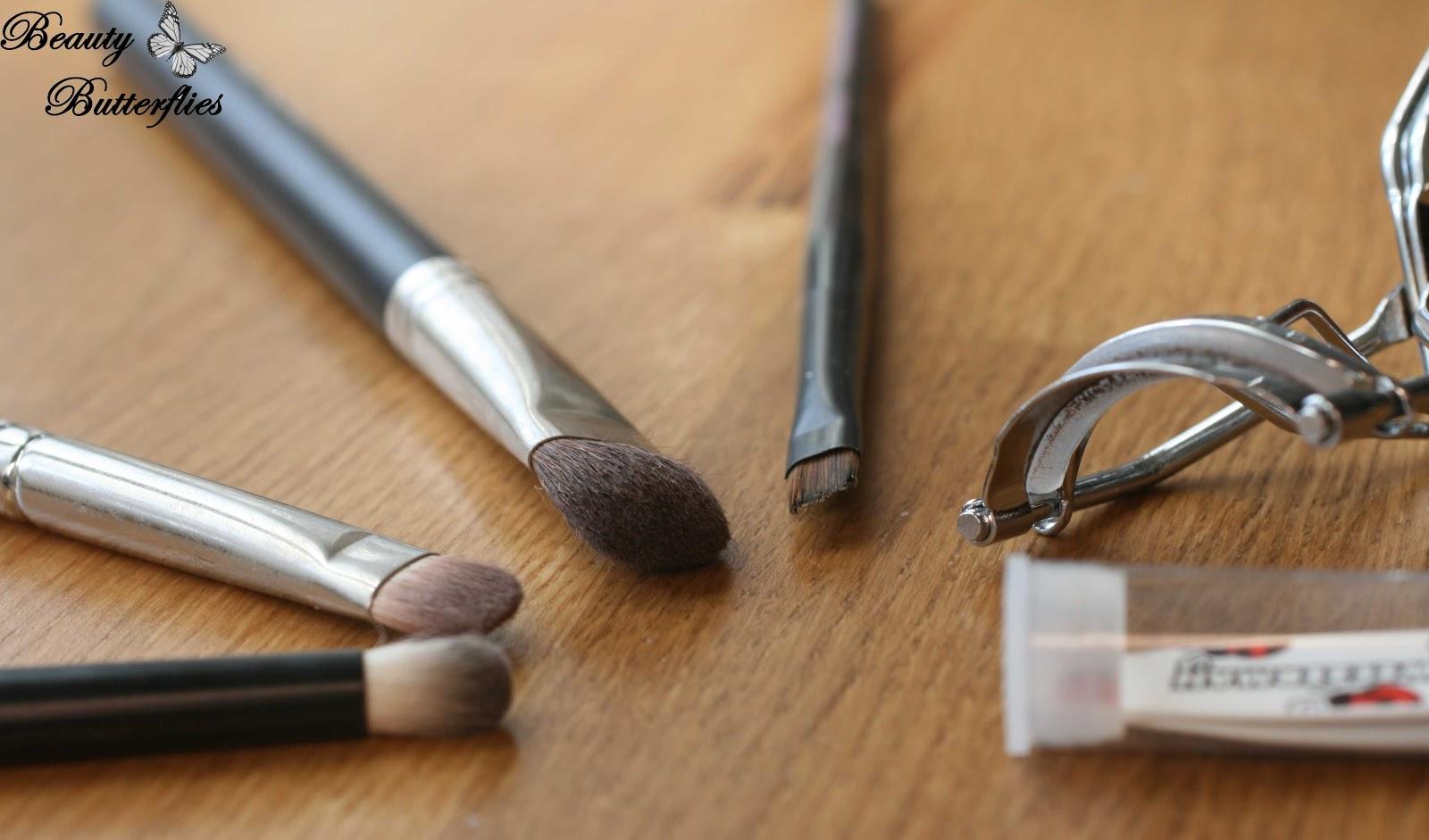 tag unverzichtbare beauty tools. Black Bedroom Furniture Sets. Home Design Ideas