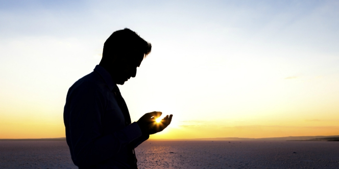 Hebatnya Doa Sebagai Senjata Orang Mukmin
