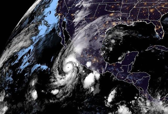 Huracán Willa llega a México con categoría 5 y se espera una gran destrucción a su paso